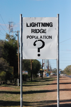 Lightning Ridge sign