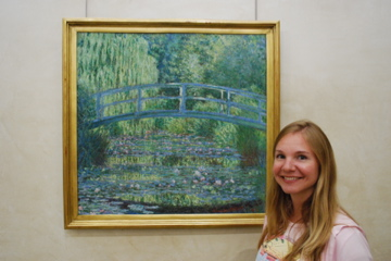 Flashpacking Wife with a Monet