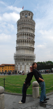 Flashpackers at the Leaning Tower of Pisa
